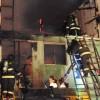 Incendio Afectó Dos Viviendas y Dejó a un Bombero Lesionado