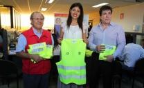 Municipio y Mutual Refuerzan Campaña de Seguridad Víal Mediante Entrega de Chalecos Reflectantes