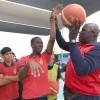 Con Clínica de Básquetbol Encabezada Por Ex Jugador de la NBA Culmino Programa Jugamos Todos