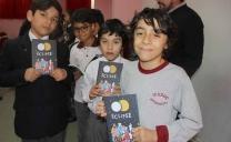 """Estudiantes Del Instituto Científico Educacional José Maza Sancho de Antofagasta Recibieron el Libro """"Eclipse Arte + Ciencia"""" Del Ministerio de Las Culturas"""