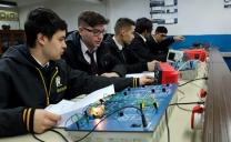 Estudiantes de Liceos Técnicos Profesionales Han Perdido Más de la Mitad de Sus Horas de Prácticas