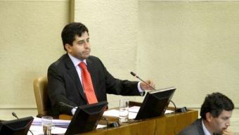 Diputado Araya Pide que el Estado Asuma La Responsabilidad de la Crisis en la U del Mar