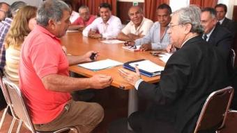 Intendente Entrega Soluciones Históricas a Demandas de Taxis Colectivos de Calama
