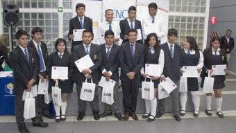 Jóvenes Antofagastinos se Certifican en Cursos Que Fortalecen sus Oportunidades de Empleabilidad