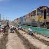 FCAB y Vecinos Arborizaron Vía Férrea en Población Manuel Rodríguez de Calama
