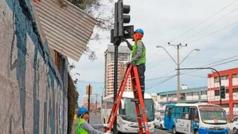 Instalarán Semáforos Portátiles en Intersecciones Con Alto Flujo Vehicular