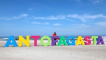 """""""Yo Creo en Antofagasta"""" Adorna Playa Llacolén"""