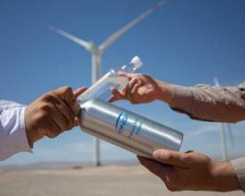 Entregan Botellas Reutilizables Para Disminuir el Uso de Plástico en Proyectos Renovables