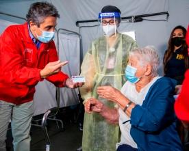 Región Supera el 50% de Vacunados Contra el COVID