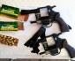 Aduanas Detecta 2 Revólveres, Municiones y Drogas