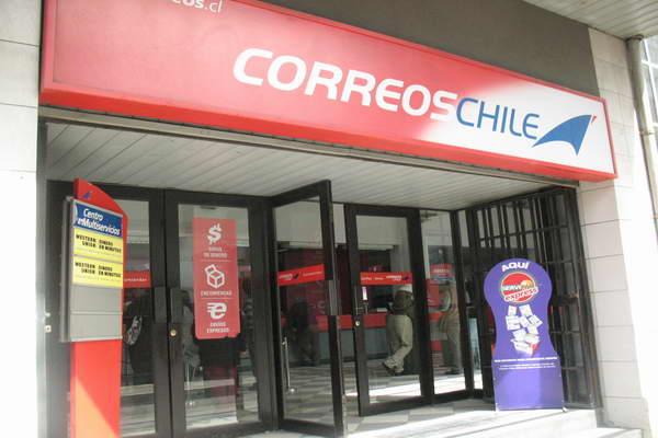 Correos chile llama al di logo con oferta hist rica y for Oficina de correos oviedo