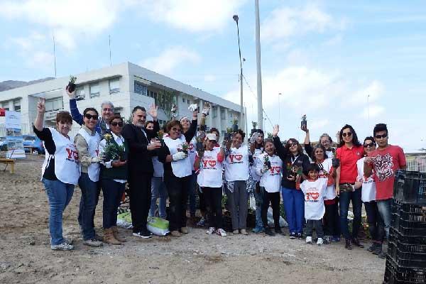 Sierra gorda scm y vecinos de antofagasta siembran rboles for Vivero antofagasta